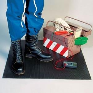 Диэлектрический коврик - средство электробезопасности